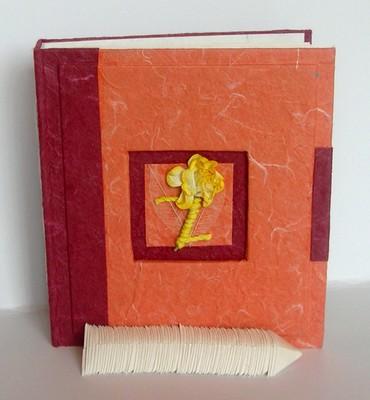 album 18 feuilles paisses naturelles mm orange et blanc avec motif central. Black Bedroom Furniture Sets. Home Design Ideas